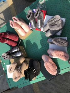 Низкая цена 1 доллара США на складе обувь для детей