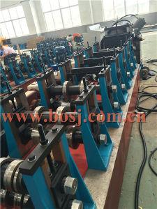 Weg verschalt die Baugerüst-Planke-Stahlrolle, die maschinelle Herstellung-Zeile Fabrik bildet