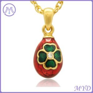 De rode Groene Geëmailleerder Gelukkige Juwelen van de Halsband van de Tegenhanger van het Ei Faberge van de Charme van de Klaver van 4 Lood Kleine Russische