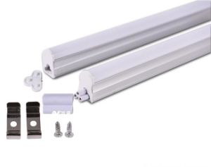 LEIDEN van de Dekking van PC van het aluminium Basis Berijpt T5 Licht rechtstreeks Lineaire 600mm 7With8W 640lm van de Buis Serie S 90lm/W