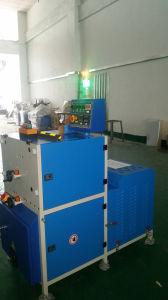 ヨーロッパの市場に販売される堅いカバー本の押す及び折り目が付く機械