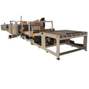 Automatix alimentando un pedazo de cartón máquina de costura