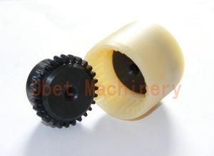 Accoppiamento dell'attrezzo del timpano con il manicotto di nylon
