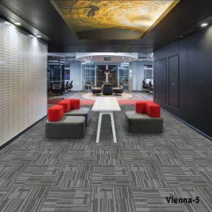 1/10 Maschinen-büscheliges Handelsteppich-Fliese-Ebenen-Farben-Büro-Hotel-Innenhaupthaus-modularer Teppich-Großverkauf in der Rolle mit Bitumen/PVC/Thick nichtgewebtem Schutzträger