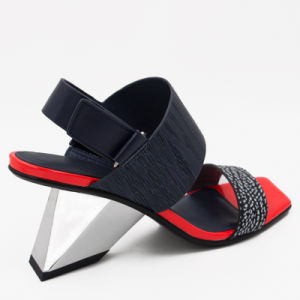 La conception artistique irrégulière moderne sandales pour femmes