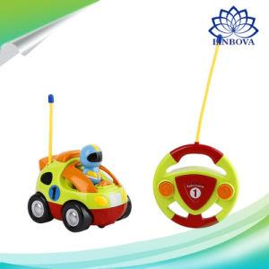 Voiture de contrôle à distance de bande dessinée de jouets Jouets pour bébés de la musique de voiture de course automobile voiture RC de commande radio