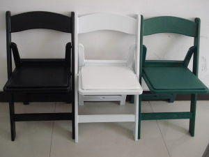 Verious Design에 있는 PP Resin Folding Chair