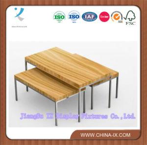 Mostrar la tabla de madera y metal/.
