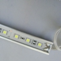 Una striscia rigida dei 5050 LED