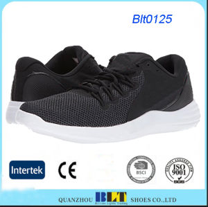 A malha superior e um modelo único calçado de desporto com alta qualidade