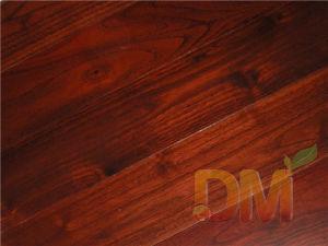 Color caoba a fin de suelo de madera maciza de teca