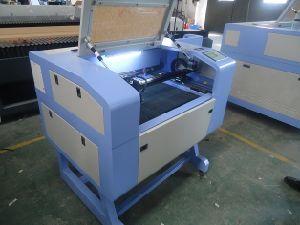 중국 CNC 60W CO2 Laser Engraving Cutting Machine