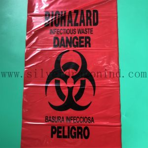 La couleur rouge sac à déchets médicaux en plastique dans le roulis, sac Biohazard