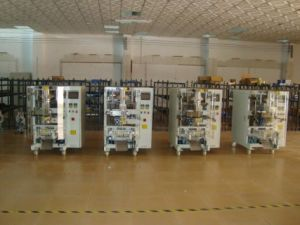 Ensemble de la ligne verticale automatique Machine d'emballage d'arachide collations