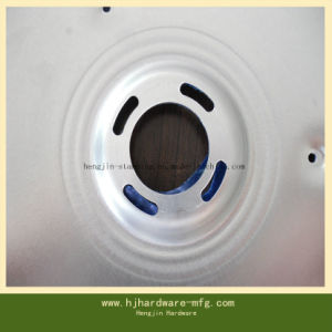 각인된 주문을 받아서 만들어진 깊은 곳에서 당겨진 금속은 CNC 기계로 가공 부속을 분해한다