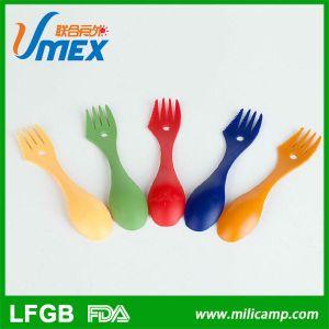 Coloridas multifunción de camping al aire libre utensilios de cocina cubiertos de plástico con una cuchara tenedor cuchillo Spork