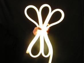 セリウムEMC LVD RoHS暖かい白LEDのネオン屈曲2年の保証の