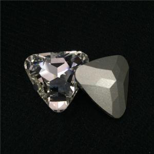 De zilveren Buitensporige Stenen van het Kristal van de Driehoek van het Plateren met Klauw die voor Kledingstuk Vrije Smaple plaatsen