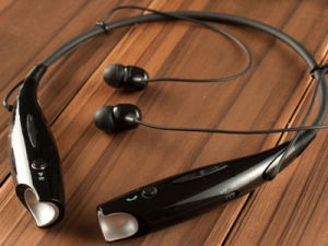 Prezzo 2016 di fabbrica del trasduttore auricolare di Bluetooth del Neckband di musica dei nuovi prodotti