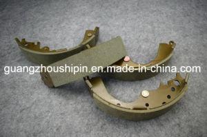 Запас Авто 04495-26240 тормозных колодок для Toyota Hiace