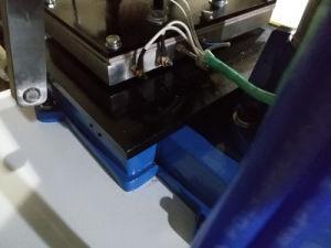 고무, 플라스틱, 가죽, 나무를 위한 기계장치를 각인하는 압축 공기를 넣은 최신 포일