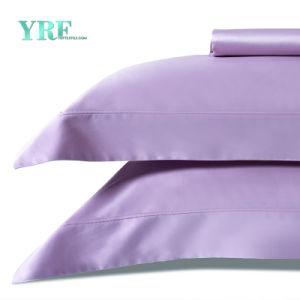高い二重環境ロッジの灰色の寝具カバー