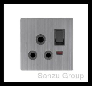UK 15AMP Socket de l'interrupteur avec néon