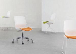 La Chine moderne la vente en gros des chaises de bureau de la formation du châssis en acier pour la salle de conférence