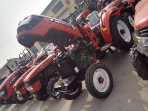 Trator Compacto50HP 4*4 accionada por roda Trator com Carregador