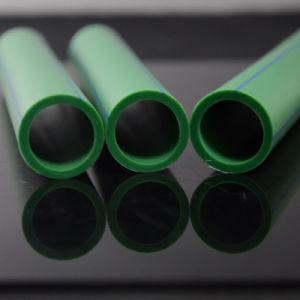 長距離の給水のためのポリエチレンの管