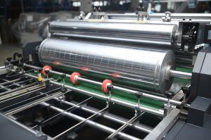 Carton ondulé Double-Channel automatique Boîte de papier de la fenêtre de découpe de coin de correctifs pour les tissus de la machine (GK-1080T)