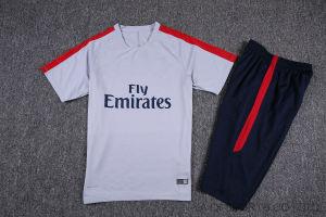 新しいデザイン安いサッカーによってはサッカーのトレーニングのトラックスーツの不足分の袖のサッカージャージーが喘ぐ