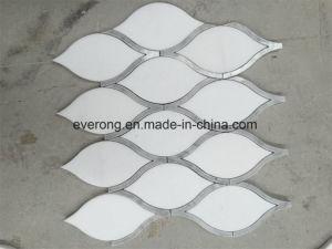 Nieuw Waterjet van Carrara van het Patroon van het Ontwerp Wit Marmeren Mozaïek voor Keuken Backsplash