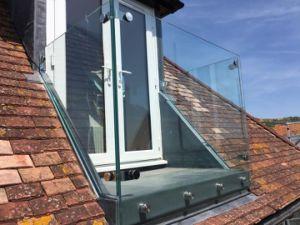 De in het groot Omheining van het Glas van het Balkon met Aangemaakt Glas