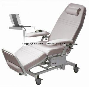 デラックスな電気忍耐強い医学の横たわる注入の注入の血の椅子