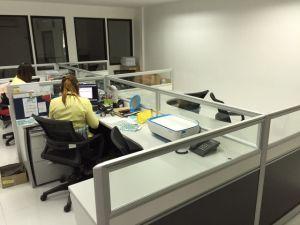 Bureau de poste de travail de bureau en aluminium cloisons en verre