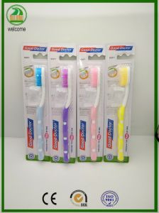 Jarra de plástico libre de alta calidad con fuerte manejar cepillo de dientes adultos
