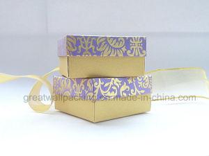 Verpakkende Doos van de Gunst van het Huwelijk van het Af:drukken van de lavendel de Gouden