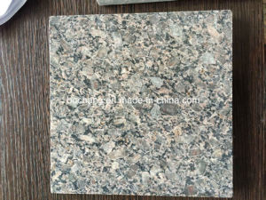 Flooring/Wall CladdingのためのBushhammered Yellow Granite Tile