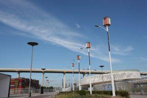 8m 60W à LED Turbine éolienne à axe vertical du vent solaire/Rue lumière hybride