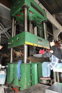 単一シリンダー空気によって冷却されるディーゼル機関(Z170F)