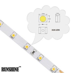 3528 60LEDs 2.4W per illuminazione della lampada della striscia della flessione LED di m.