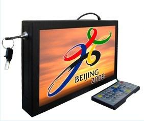 선수 (SY-102)를 광고하는 10.2inch 벽 산 LCD