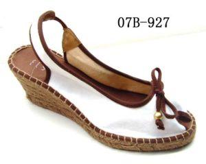 Le confort des chaussures à semelle extérieure en jute (07B-927)