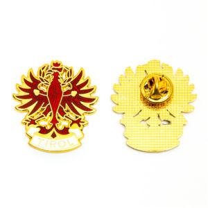 Aucune promotion Logo personnalisé Mode MOQ Métal 3D de l'épinglette de la Police armée militaire voiture Bouton d'étain Mou Dur Nom d'émail blanc d'or de l'emblème d'un insigne pour cadeau promotionnel