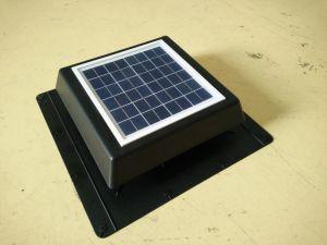 8W 12V Gleichstrom-schwanzloser angeschaltener Dachboden-Solarventilator