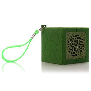 Deporte al aire libre coche altavoz manos libres Bluetooth Mini altavoz manos libres Bluetooth portátil Tarjeta con cordón verde