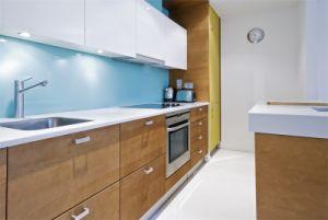 China Cozinha Fábrica resistente a arranhões para trás colorido pintado bancadas de vidro temperado