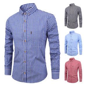 Comercio al por mayor camisetas oficiales para los hombres de Oxford de algodón 100% de los hombres de calidad en diseño dobladillo curvado Plaid hasta el botón de camisa de vestir para hombres