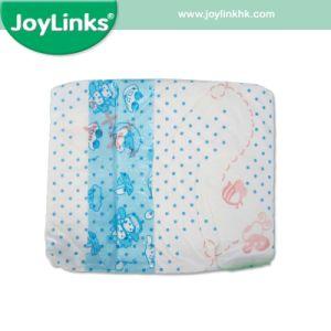 男女兼用の使い捨て可能な赤ん坊のおむつのPEテープPEのフィルムの柔らかいタッチのおむつ